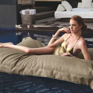 WAZ-Outdoor-European-Luxe-Day-Bed-Leviapool